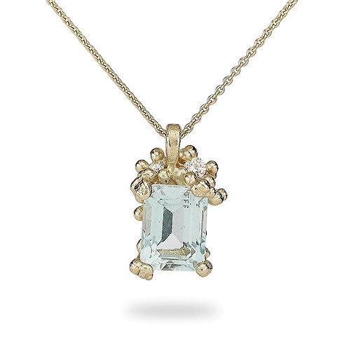 Aquamarine and Diamond pendant with granules