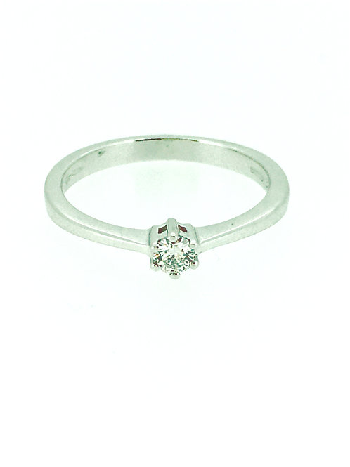 Solitaire Diamond 6 claw white gold ring