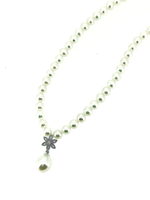 Pearl and Diamond Flower necklace
