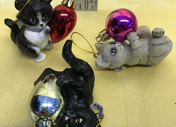 Kittens with Ornaments Tree Hanger - Set of 3