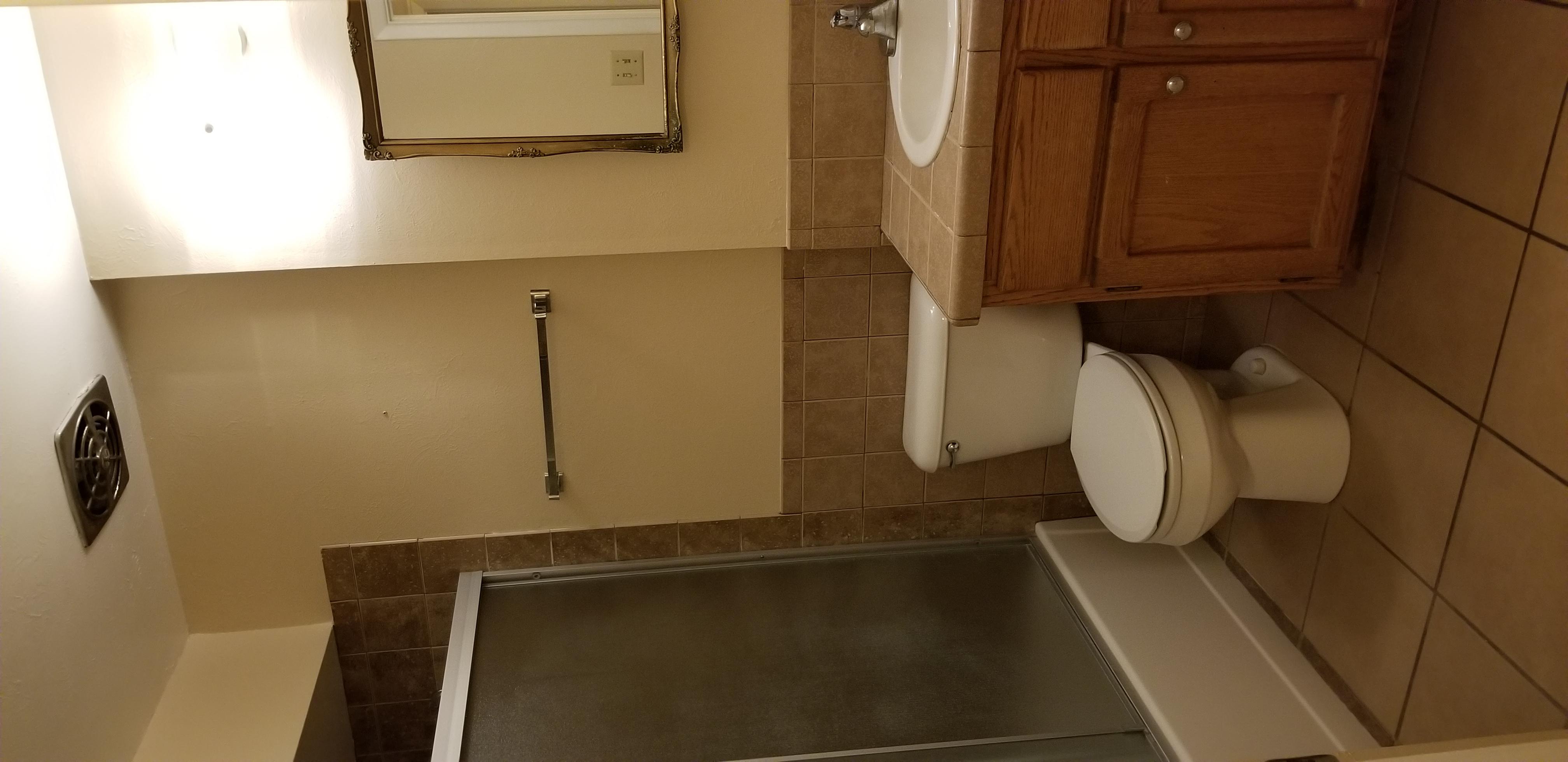 2244 Hall Bath