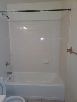 2925 Hall Bath