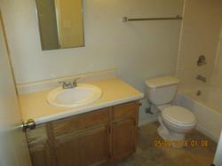 11433 Hall Bath