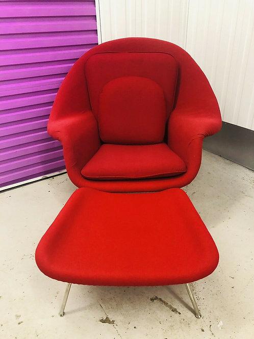 reproduction of  the Eero Saarinen Womb chair