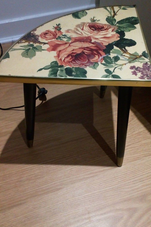 RETRO OCCASIONAL PLANT/FLOWER TABLE