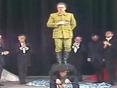 Театр масок в спектакле Ю. Любимова «Десять дней, которые потрясли мир»