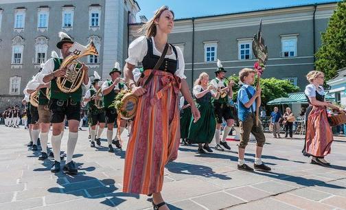 Salzburg Festzug c Anibal Trejo