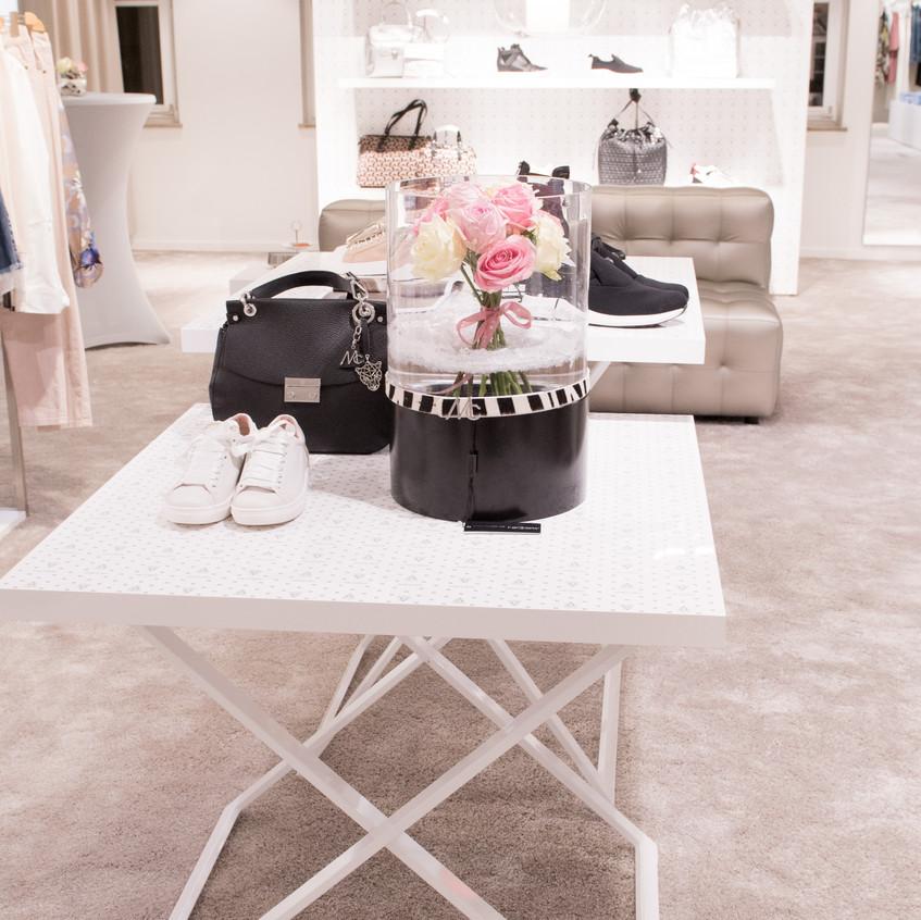 Heller, freundlicher, moderner – der neue Ladenbau soll den Kundinnen von Keller-Warth klare Orientierung geben.