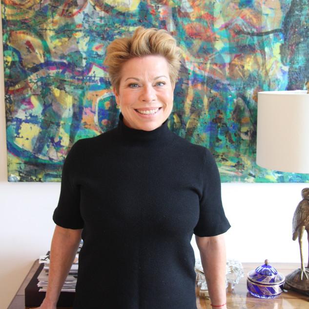 """Bettina Schuh ist gelernte Floristin und schuf früher Blumendekos für Events. Jetzt hat sie die Geschäftsnachfolge von Wally Vogel angetreten. """"Es macht unglaublich viel Spaß"""", sagt die Wahlgasteinerin."""