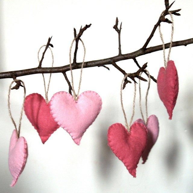 deco-st-valentin-coeurs-tissu-decoratifs