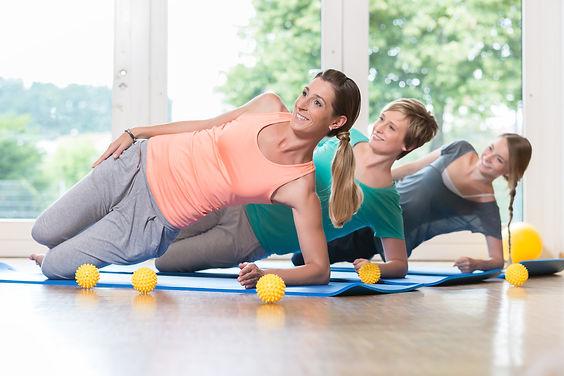 Women doing exercises for pelvis floor i