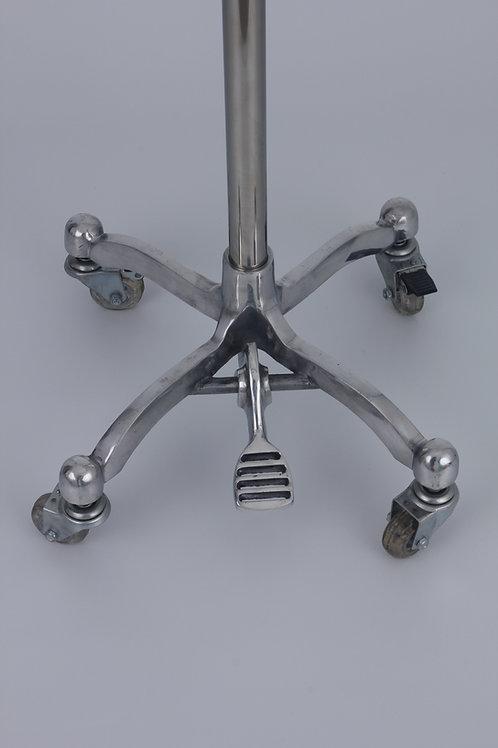 Pé em alumínio fundido modelo Retrô