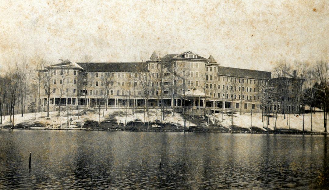 Vintage Toxaway Inn b & w image