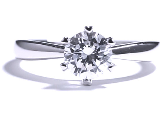 Classic Glamour Engagment Ring