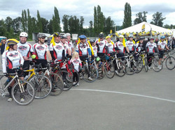 finish line team photo
