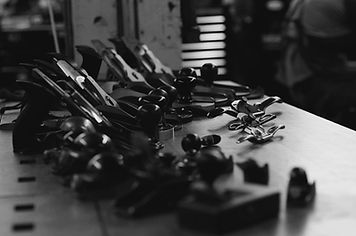 Luthier-de-la-corde-guitare-shop-online-
