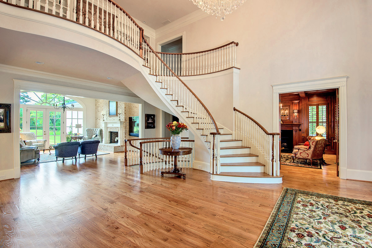 Breathtaking Foyer