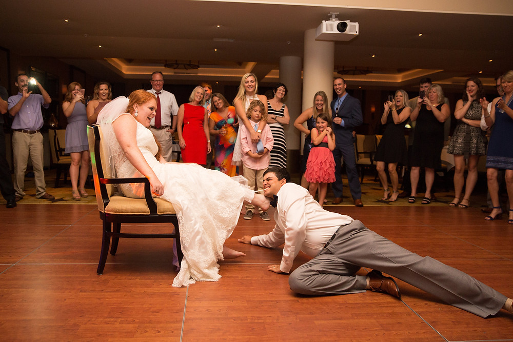 wedding, bride and groom, garter take off, funny, Naples wedding