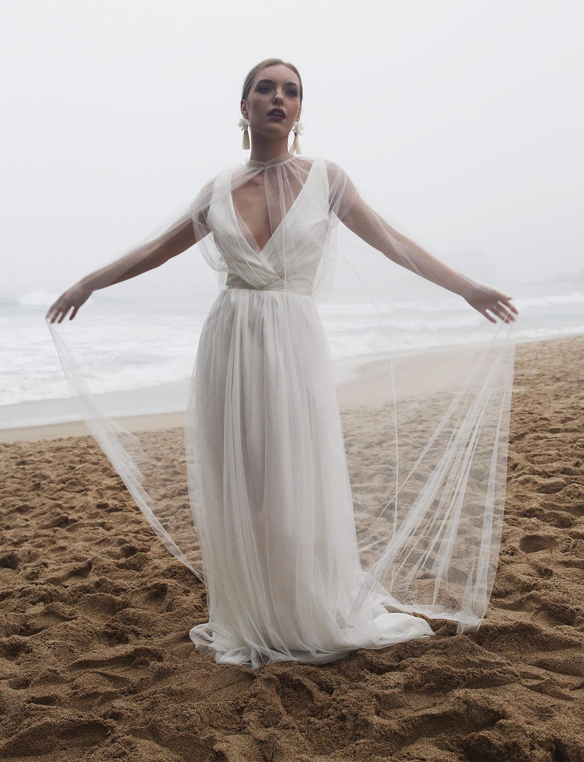 wedding cape tulle ixia cape_0005_Bridal