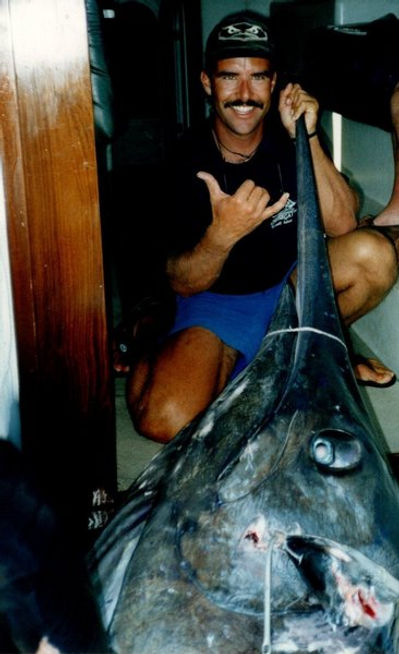 32) ASSEGAI 1997 - 1047 lb PACIFIC BLACK