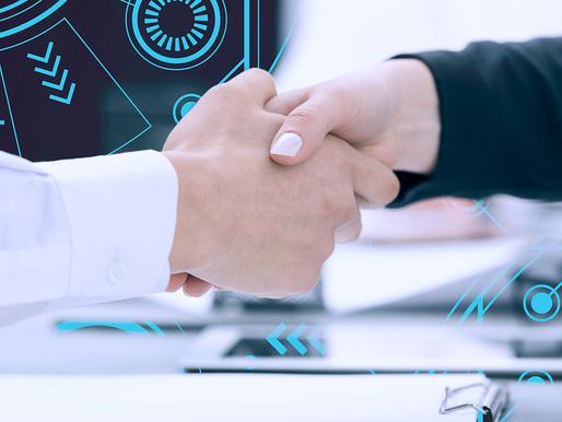 TOPMIND amplia atuação no exterior e abre vagas funcionais, desenvolvimento, suporte e vendas