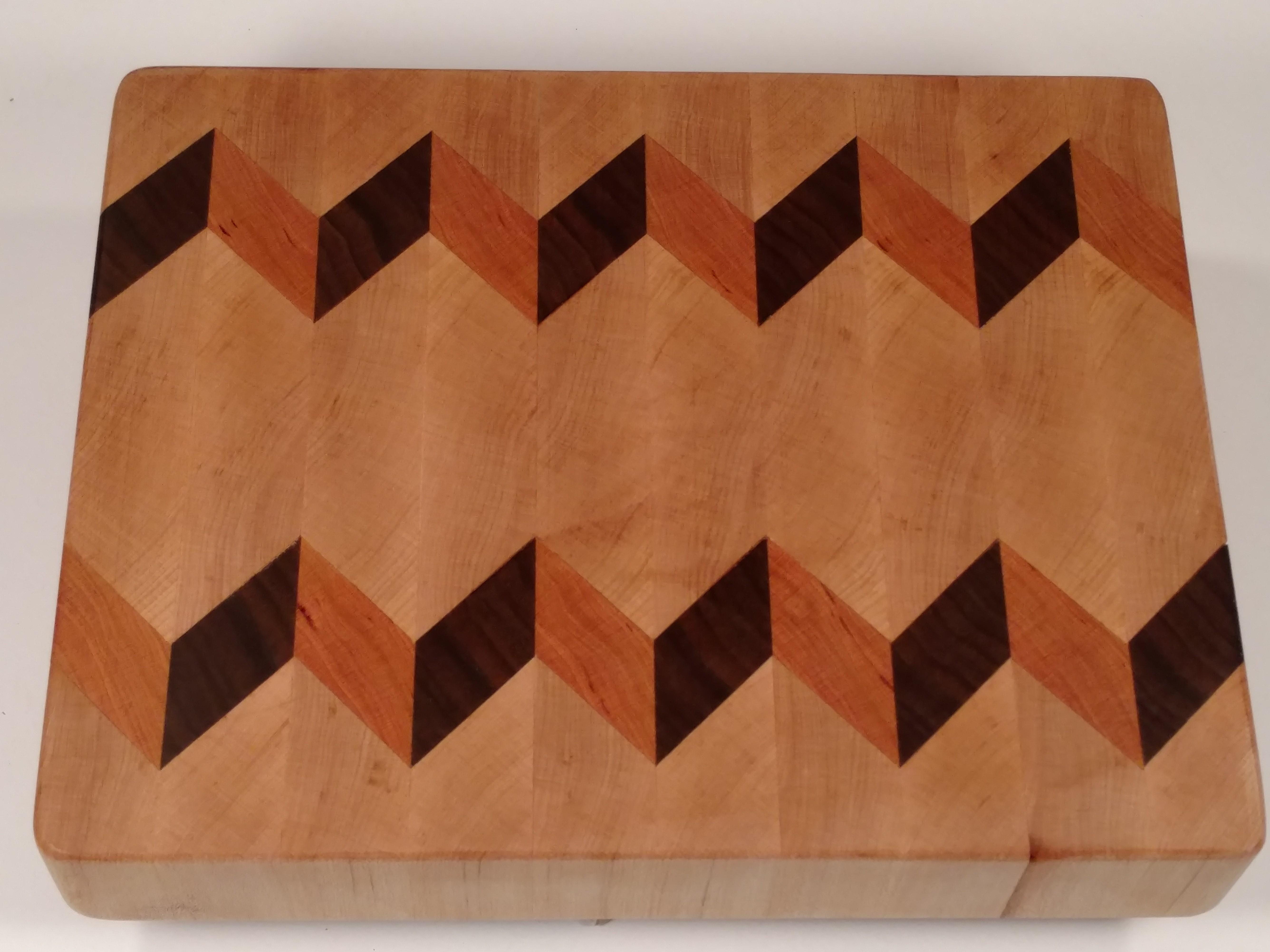 3D Cutting Board | Mahogany & Maple