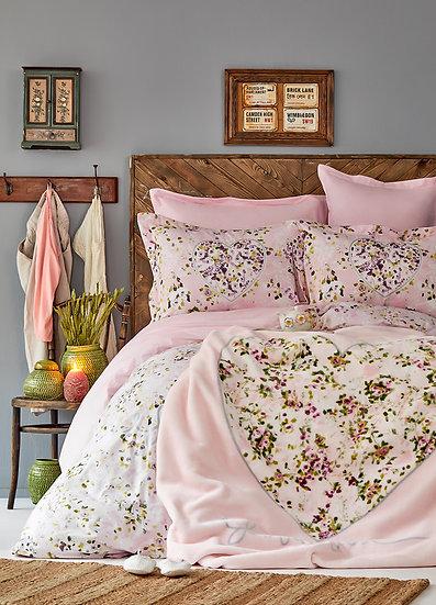 Karaca Home Divine Powder Board Duvet Cover and Soft Spanish Blanket Set