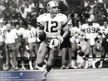 1, 2, 3, Score! Roger Staubach, Rashied Davis and the NFL Foundation Give Back