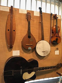MSLO museum guitara.jpg
