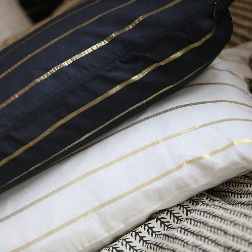 Coussin carbone ou crème stripe lurex 30x50 cm