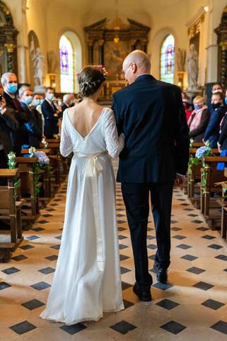 Entrée de la marié dans l'église