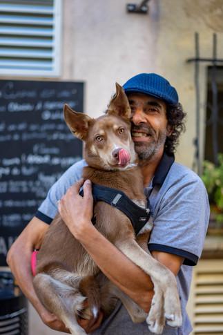 L'homme et son chien