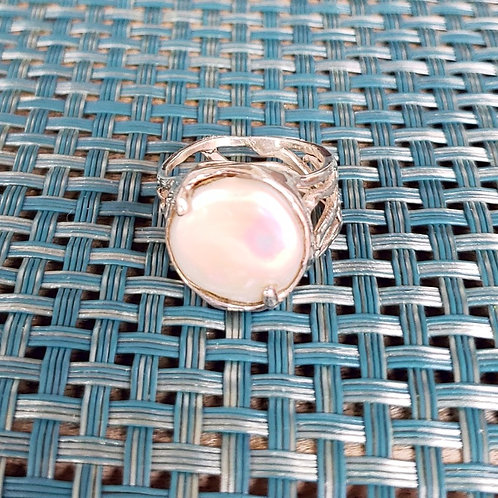 Round Coin Pearl Wave Ring