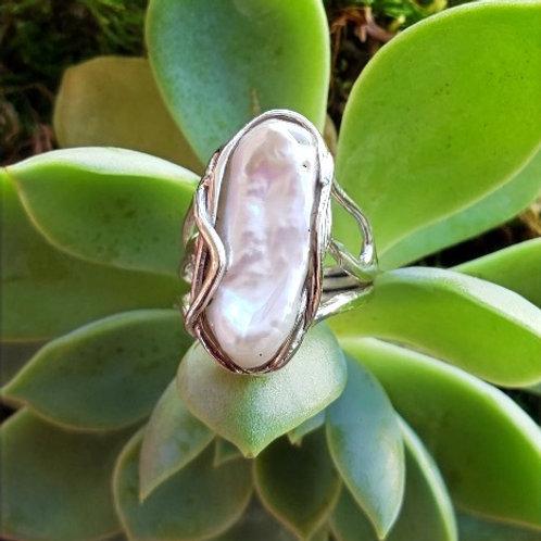 Biwa Pearl Ring