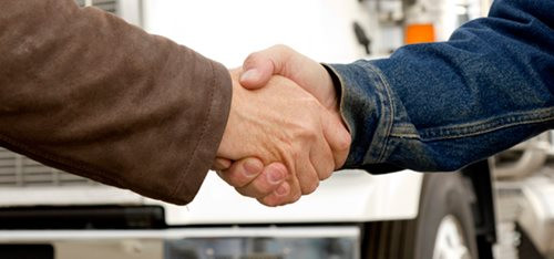 Truckers Agreeing On a Lease Purchase Trucking Agreement