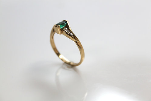 Emerald Fashion Ring