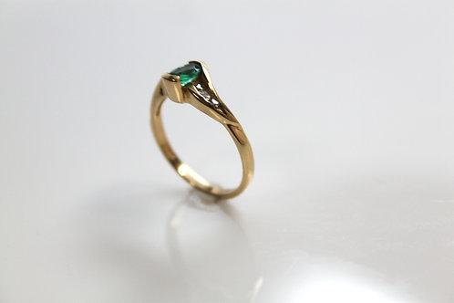 Emerald Fashion Ring