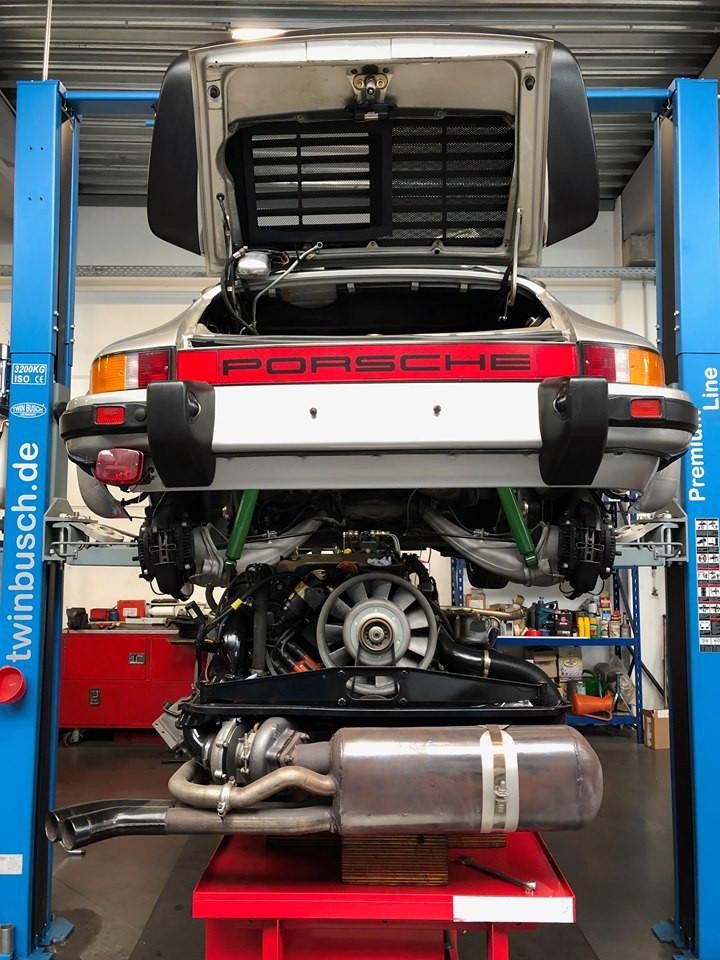 Sortie Bloc Moteur Porsche 930