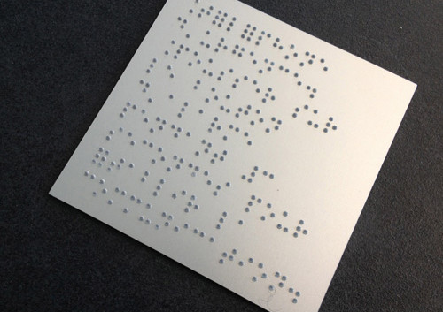 PLaque braille.jpg