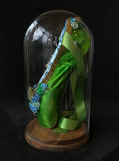 glass dome green shoe.jpg