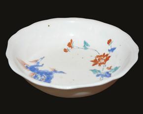 Arita Kakiemon nigoshide bowl, frolicking Shi-shi & Peony, c1690