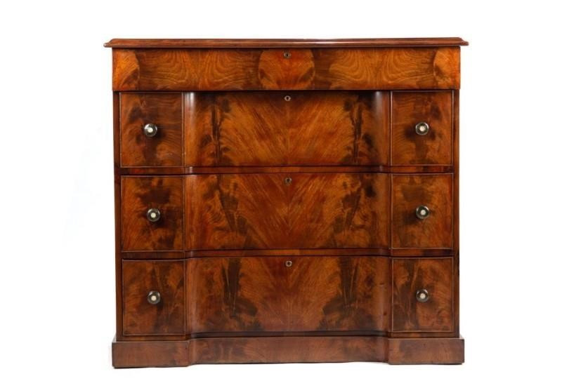 William IV mahogany chest of drawers c1830