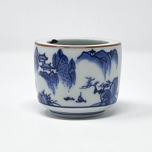 A rare 17th C Japanese Arita Ai Kakiemon small koro (incense burner) c1690