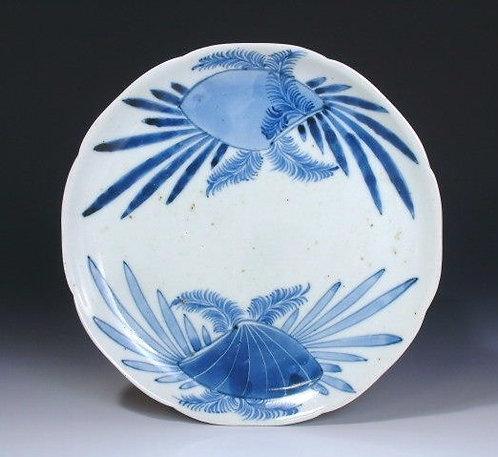 Ko-Imari, Arita kiln, Clams & Seaweeds lobed dish, c1670-1690