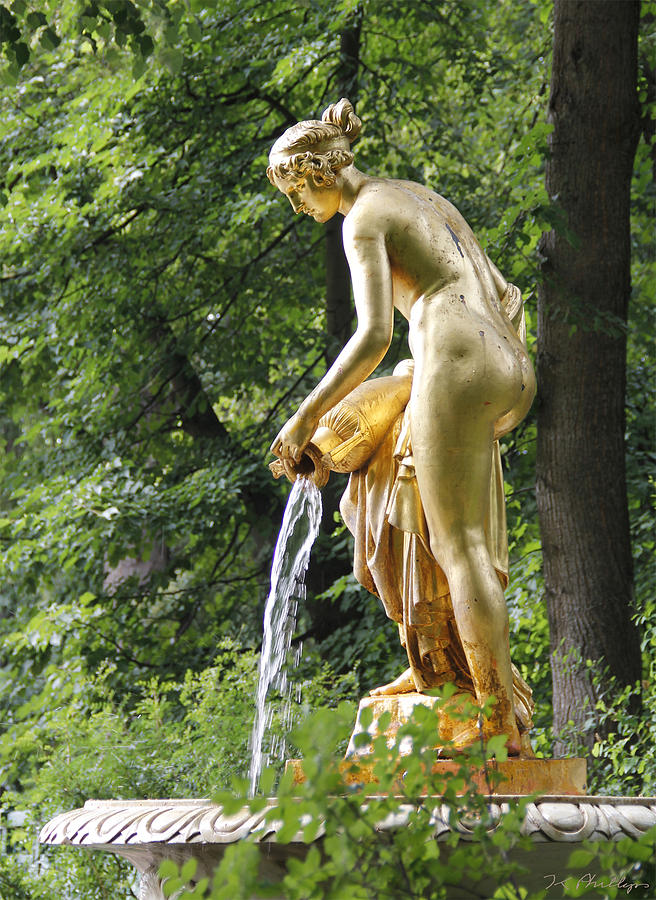 ce-garden-statue-peterhof-jennifer-phillips