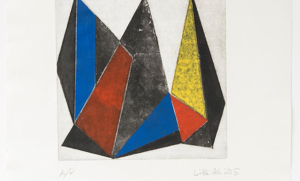 Composición triángulos con rojo, amarillo y azul