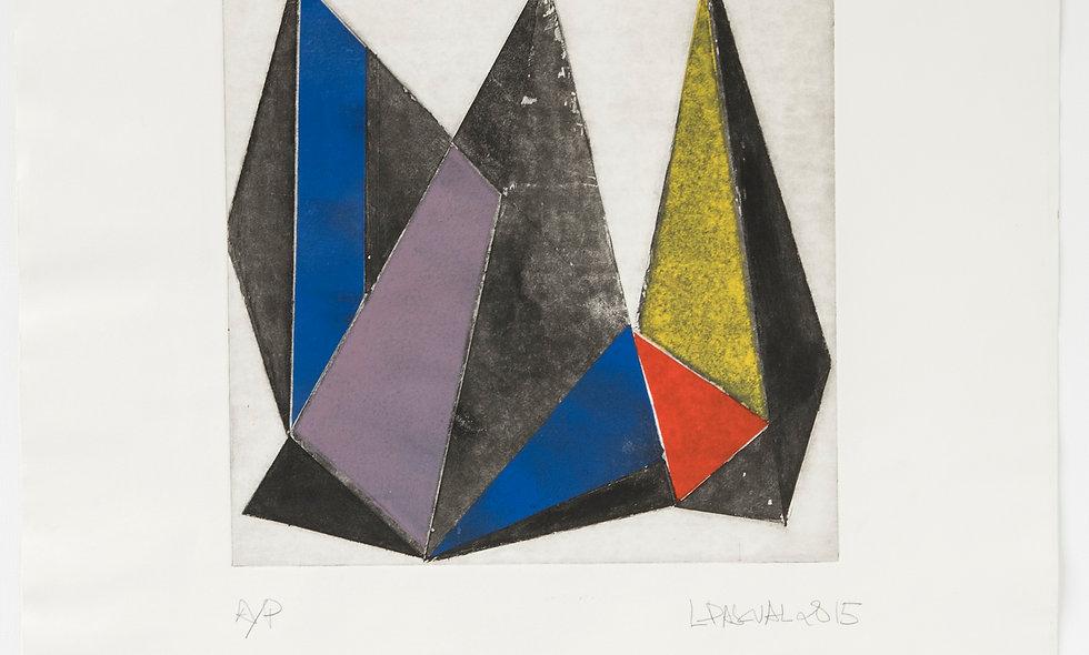 Composición triángulos con rojo, amarillo, azul y gris