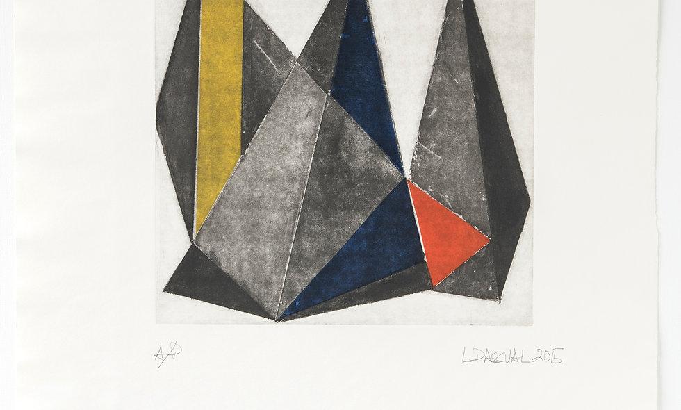 Composición triángulos con rojo