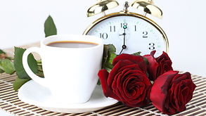 Red-roses-coffee-pocket-watch_3840x2160.