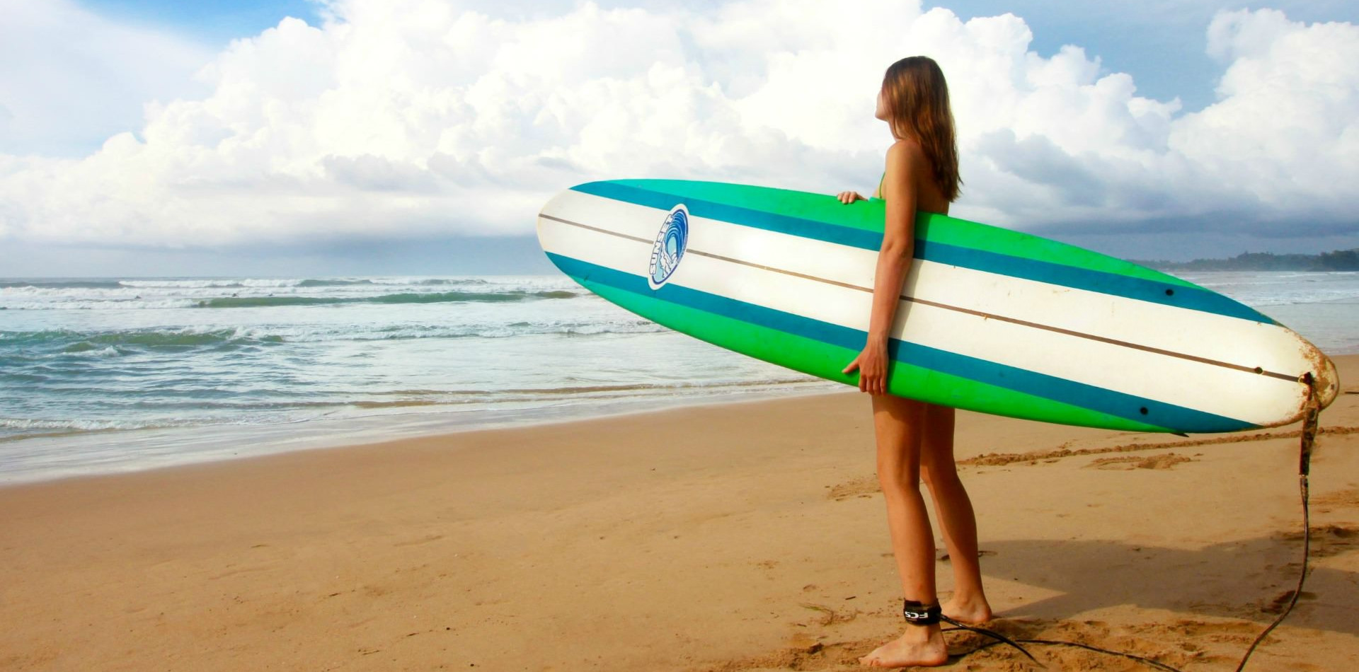 playa-surf-mujer.jpg